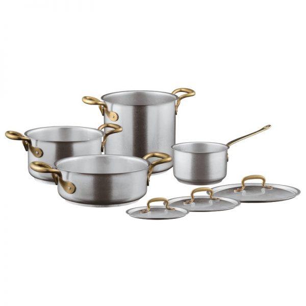 Набор посуды для кухни.